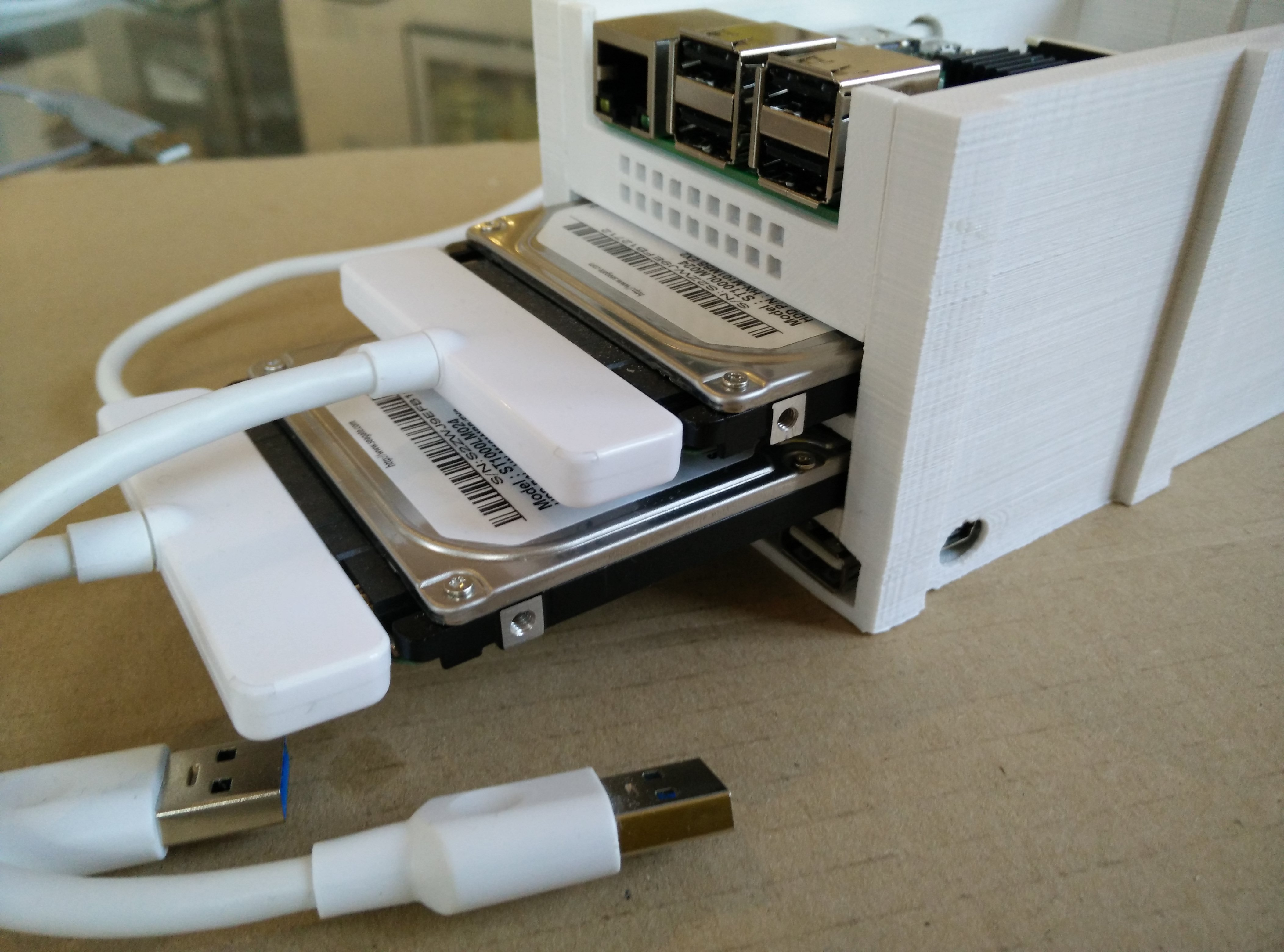 A small 3D-printed NAS – Chapelier Fou