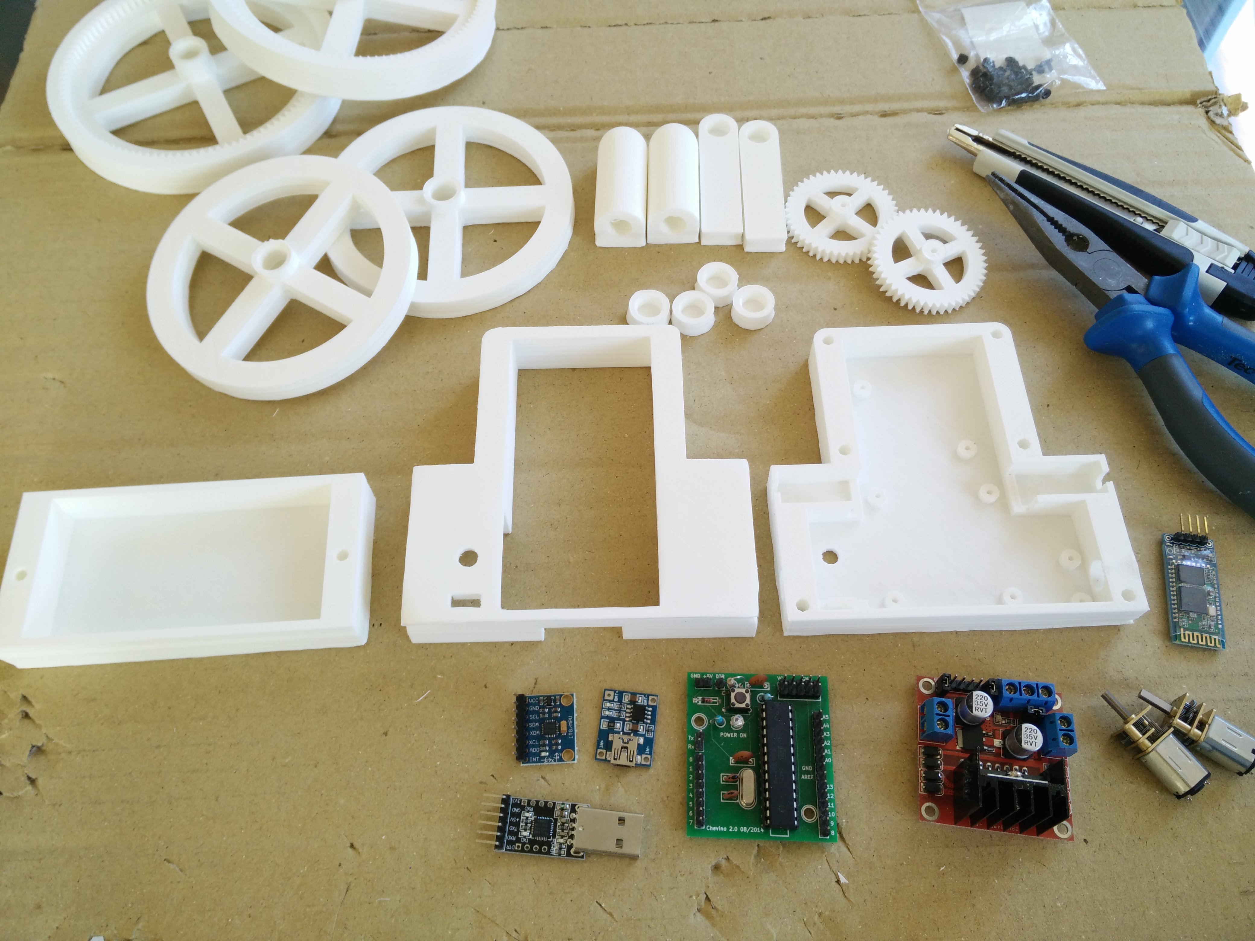 Every part is printed, the robot is now ready to be built