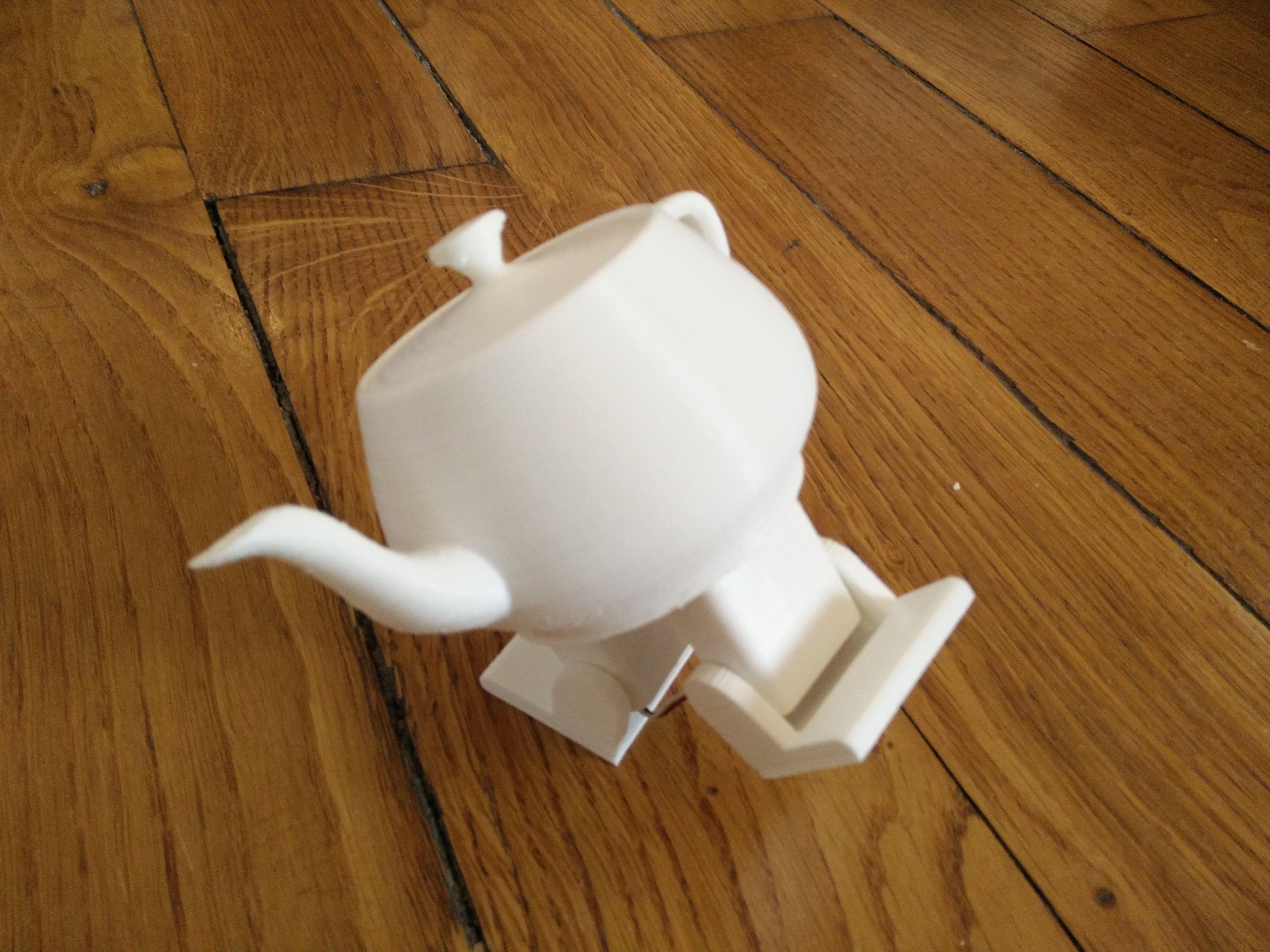 Plasteac: a dancing teapot